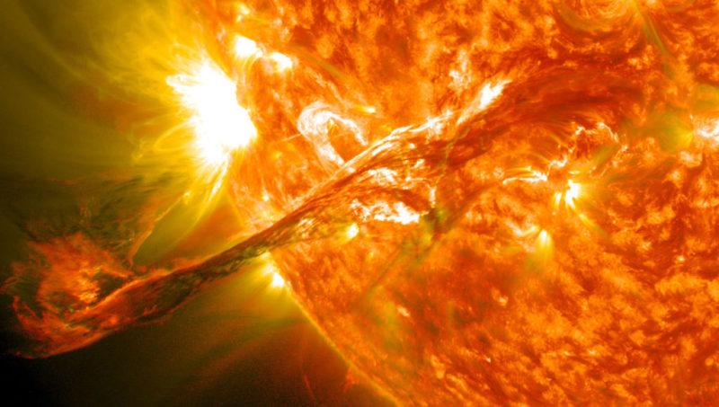 Протуберанец на Солнце